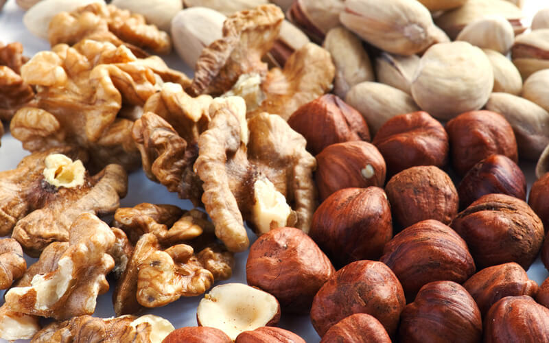 Орехи содержат в составе витамины и минералы