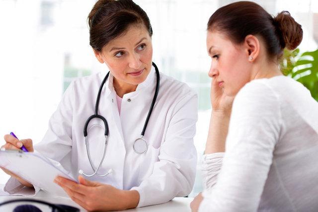 При появлении неприятных выделений необходима консультация врача