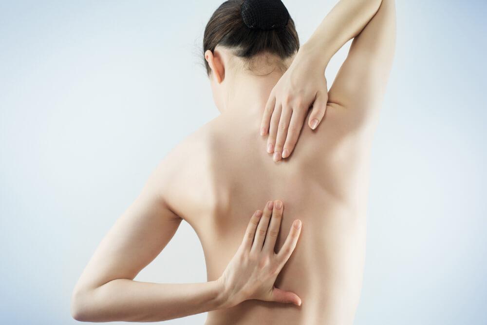 Боль может свидетельствовать о патологиях позвоночника