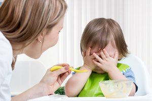 При врожденном гипотиреозе у ребенка отмечается плохой аппетит