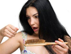 Недостаток гормонов вызывает выпадение волос