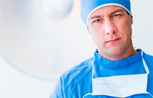 Припухлость груди требует немедленного обращения к врачу