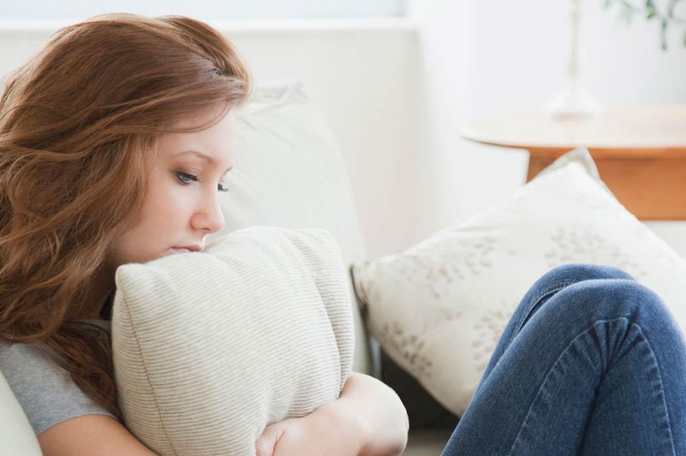 Недостаточная выработка гормонов проявляется в виде бессилия и вялости