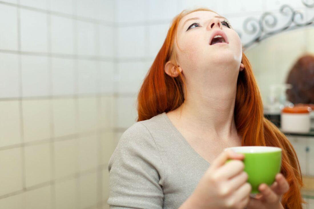 Полоскание горла поможет справиться с заболеванием
