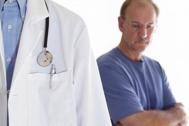 При появлении подозрений на гинекомастию следует посетить хирурга
