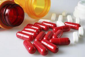 Перед хирургическим вмешательством запрещено употреблять препараты для разжижения крови