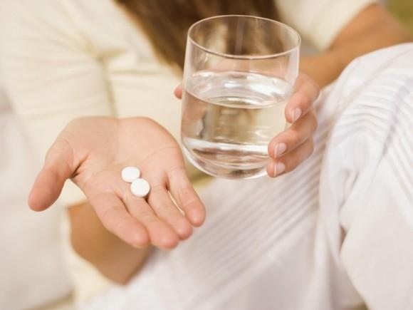 При гипофункции щитовидки назначается прием гормональных препаратов