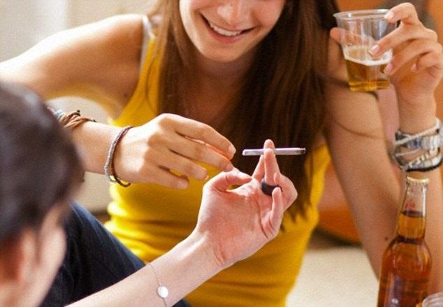 Пристрастие к пагубным привычкам провоцирует развитие заболеваний щитовидной  железы