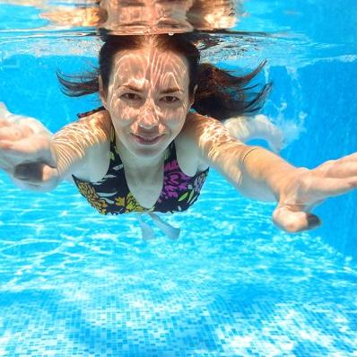 Плаванье препятствует развитию птоза
