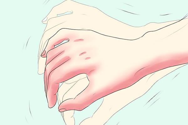 Повышенная выработка гормонов провоцирует тремор рук