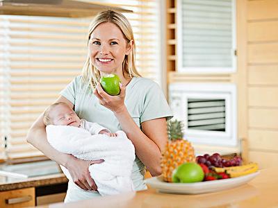 Женщине необходимо правильно питаться, чтобы не навредить малышу