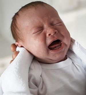 Как часто прикладывать новорожденного