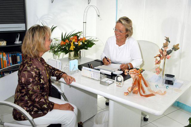 Женщинам нужно проходить регулярные медицинские обследования