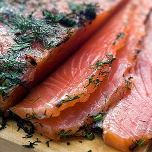 Рекомендовано есть рыбу красных сортов