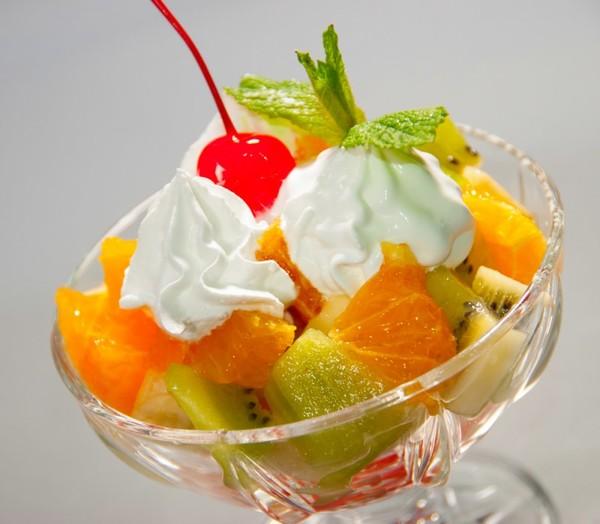 Пациентам с гипертиреозом на завтрак можно съедать фруктовый салат