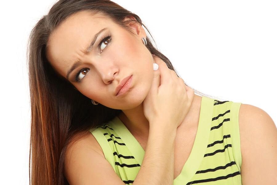 Один из первых симптомов рака - появление шишки в области шеи