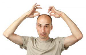 При недостатке гормонов щитовидной железы сильно выпадают волосы
