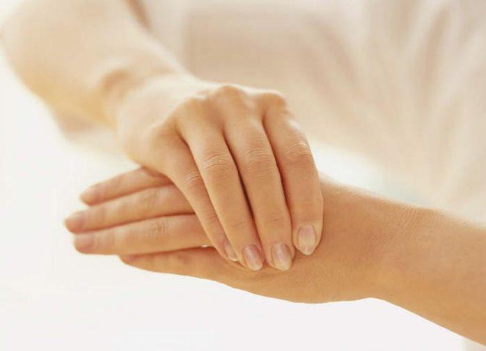 Тремор рук, характерный для гипотиреоза, возникает под воздействием стресса