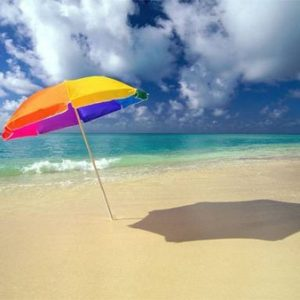 При доброкачественных образованиях в щитовидке допускается прием солнечных ванн