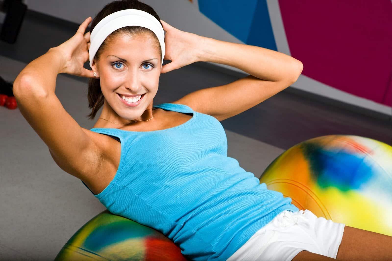 Необходимо регулярно заниматься спортом