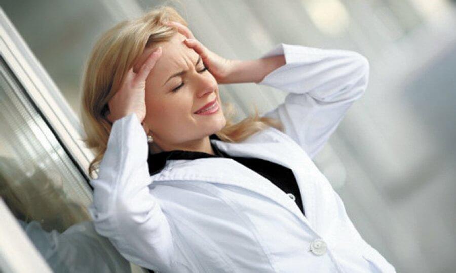 Эмоциональное состояние женщины играет большую роль в развитии многих заболеваний