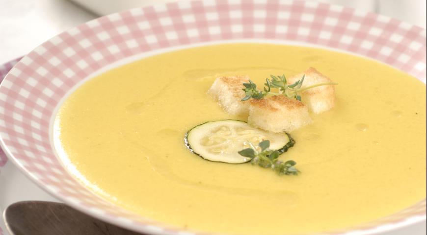 Рекомендуется готовить легкий суп-пюре из кабачков