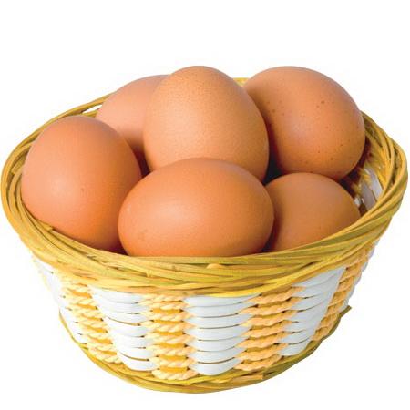 Нужно внимательно следить за свежестью яиц, которые употребляет кормящая мама