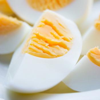 Яйца имеют богатый витаминами состав, они полезны для пищеварительной, нервной и эндокринной системы