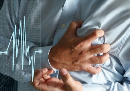 Сердцебиение у больных достигает 200 ударов в минуту