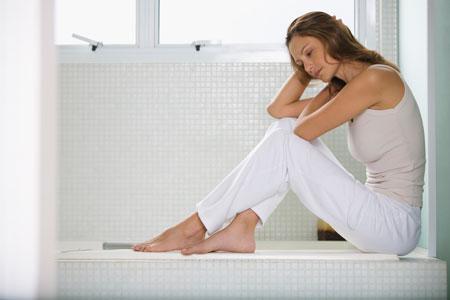 Женщины могут даже не заметить нелактационный мастит, приняв его за период перед менструацией