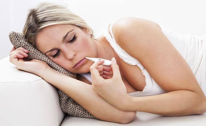При лактостазе у женщины повышается температура