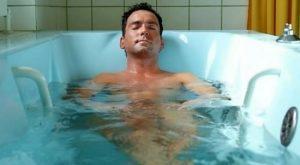 При простатите полезно принимать ванну с теплой водой