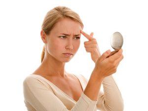 Тонкие волоски бровей свидетельствуют о недостатке гормонов