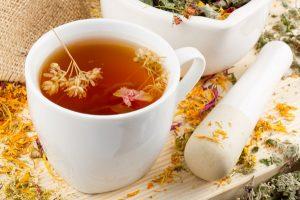 Травы для лечения щитовидки можно заваривать в виде чая
