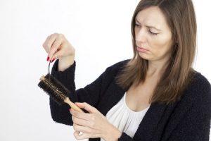 Дисфункция щитовидки вызывает ухудшение качества волос