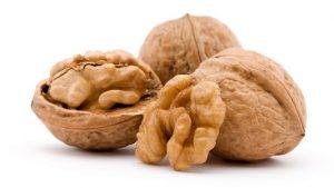 Для профилактики заболеваний щитовидки грецкие орехи следует употреблять ежедневно