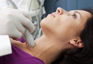 Нарушения в работе щитовидной железы определяются с помощью УЗИ