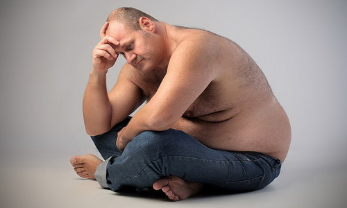 В результате гипотиреоза появляется избыточный вес, который сложно нормализовать
