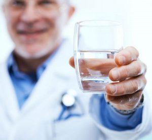 В период восстановления после ТУР простаты следует пить много жидкости