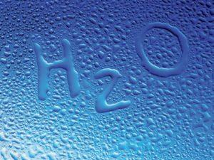 Для профилактики заболеваний щитовидной железы следует употреблять не 2 л жидкости в день