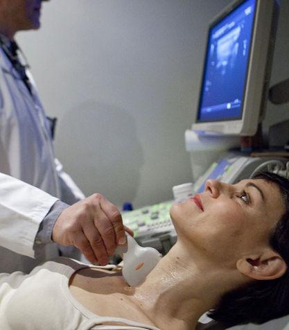 Узел в щитовидной железе можно выявить на ультразвуковом исследовании