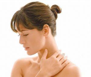 При тиреотоксикозе вырабатывается избыточное количество гормонов щитовидной железы