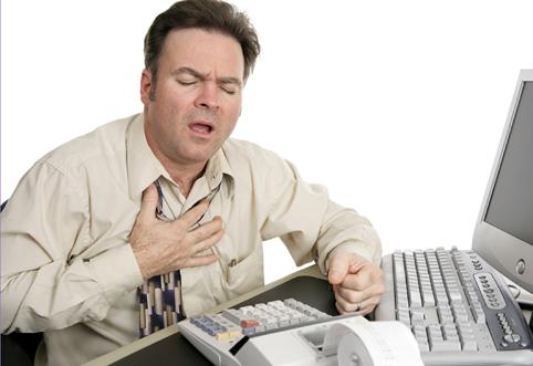 При избыточном уровне гормона мужчина отмечает замедление ритма сердца