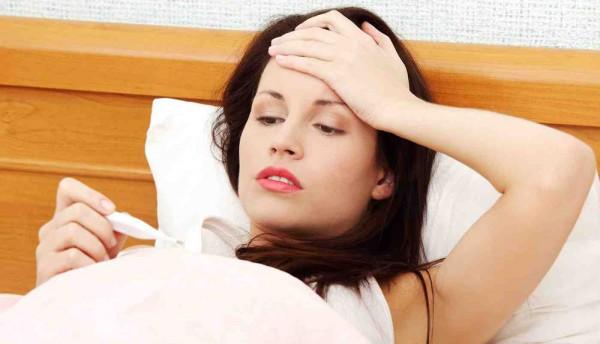 При избытке гормонов у пациентов появляется жар в теле