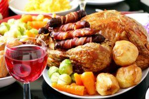 После проведения операции по удалению щитовидной железы следует отказаться от жирной пищи и алкоголя